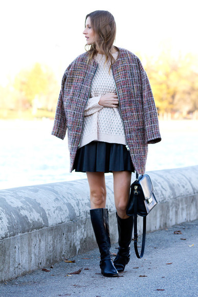 styling my life blogger bag black boots flare skirt knitted sweater