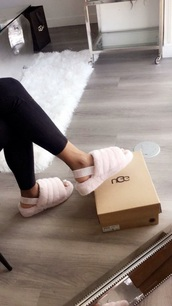 shoes,mules,pink,light pink,baby pink,pink mules,slippers,fall outfits,autumn/winter,winter outfits,cozy