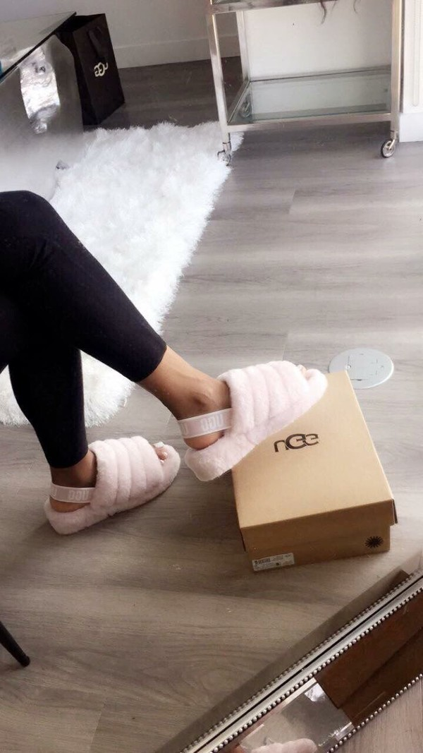 shoes mules pink light pink baby pink pink mules slippers fall outfits autumn/winter winter outfits cozy