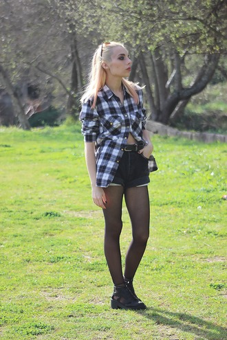 the black effect blogger flannel shirt high waisted shorts cut out ankle boots