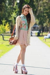 chloe ting,skirt,sweater,bag