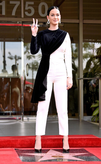 pants asymmetrical asymmetrical top katy perry pumps black and white blouse