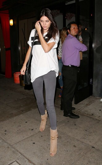 shoes top boots booties kendall jenner jeans t-shirt