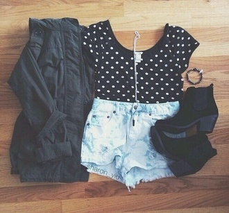 jacket t-shirt jewels polka dots crop tops ankle boots black jacket
