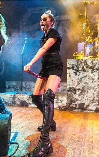 skirt boots knee high boots miley cyrus all black everything shorts