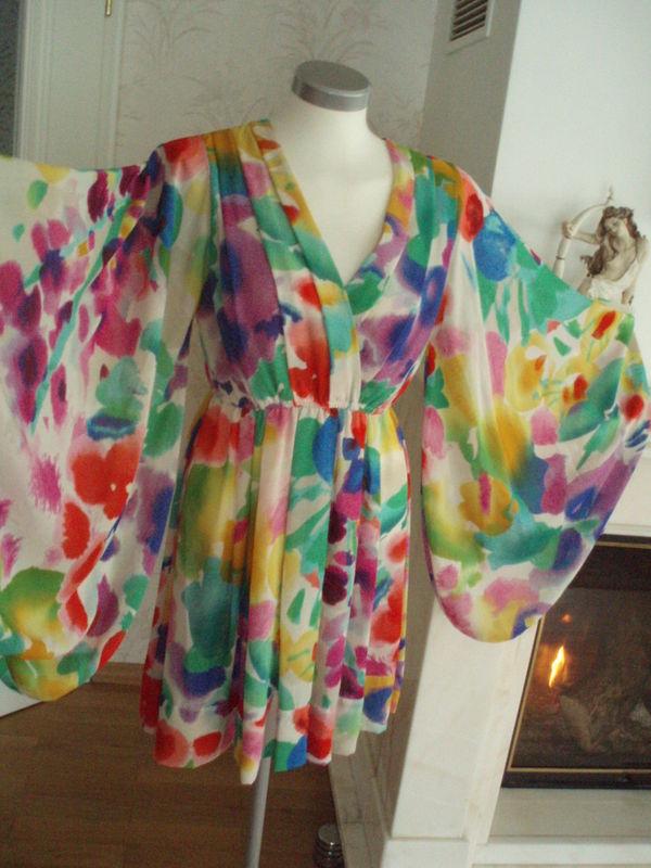 HM Garden Collection Kimono Floral dress size US 6 EU 36 UK 10