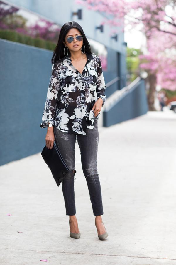 walk in wonderland t-shirt jeans bag shoes jewels