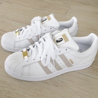 shoes adidas supercolor tumblr tumblr outfit tumblr clothes adidas adidas shoes adidas superstars gold white adidas originals white shoes gold shoes adidas supercolor yellow