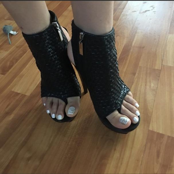 shoes black dolce vita