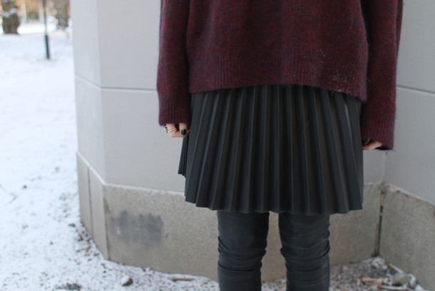 josefin dahlberg blogger pants pleated skirt burgundy sweater winter outfits oversized sweater sweater jewels skirt
