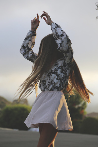 flowy white black blouse long sleeves patterned
