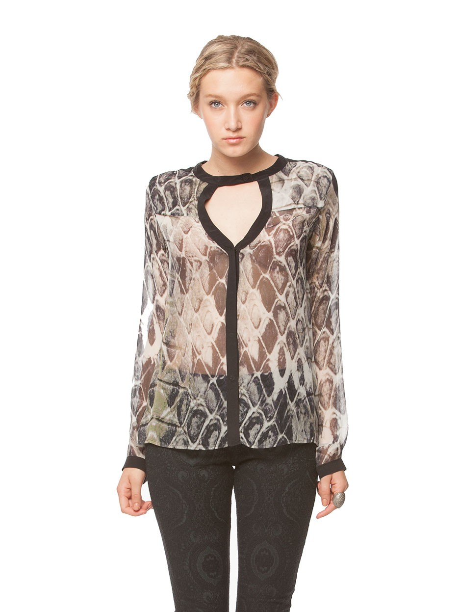 Gypsy05.Com - Official Website :: Shop Women Long Sleeve - Python Printed L/S Button Down Blouse