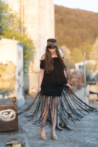 andy sparkles blogger top skirt shoes jewels fringe boho hair band