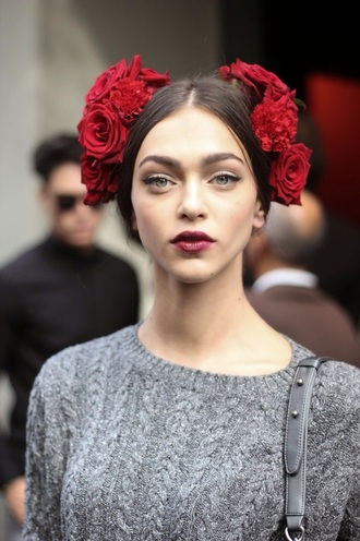 hair accessory fashion style beautiful hairstyles red lipstick
