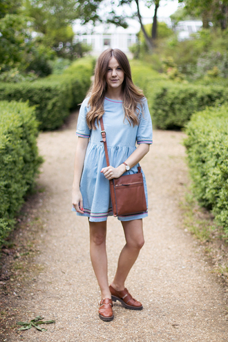 love of cloth blogger blue dress brown leather bag leather sandals
