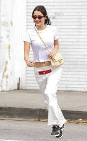 pants,top,spring outfits,sneakers,bella hadid,model off-duty,white,white top