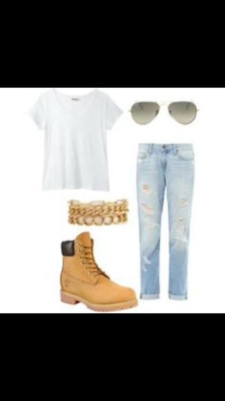 t-shirt boots