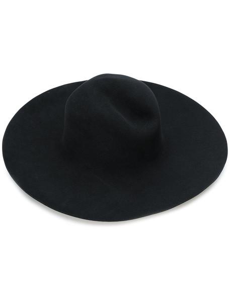 classic hat black