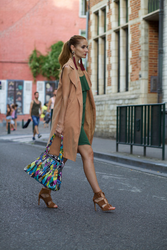 from brussels with love blogger green dress bershka zara shoes sandals