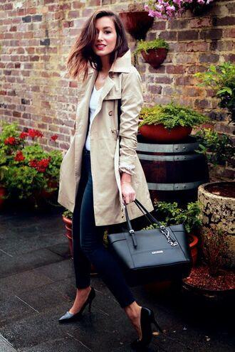 coat tumblr trench coat beige coat camel coat top white top v neck bag black bag jeans denim blue jeans skinny jeans pumps pointed toe pumps fall outfits