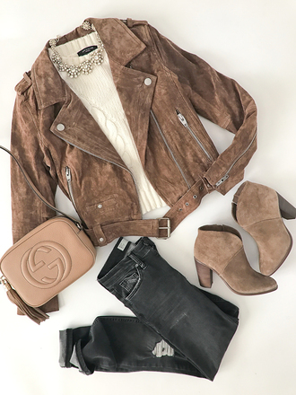 stylish petite blogger jeans sweater jacket bag shoes jewels cardigan shirt belt top beige jacket ankle boots gucci bag beige sweater sliver bow neklace necklace
