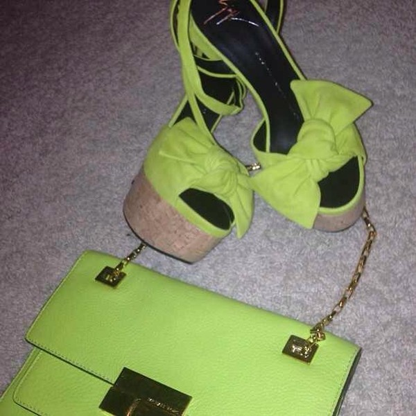 shoes lime bag