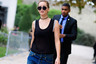 sunglasses fashion week street style fashion week 2016 fashion week paris fashion week 2016 black top sleeveless sleeveless top choker necklace black choker round sunglasses streetstyle jennifer lawrence celebrity style celebrity actress