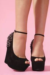 shoes,black,wedges,spikes,spiked shoes