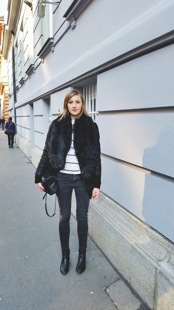 katiquette blogger skinny jeans faux fur black jacket