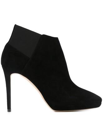 100 boots black shoes