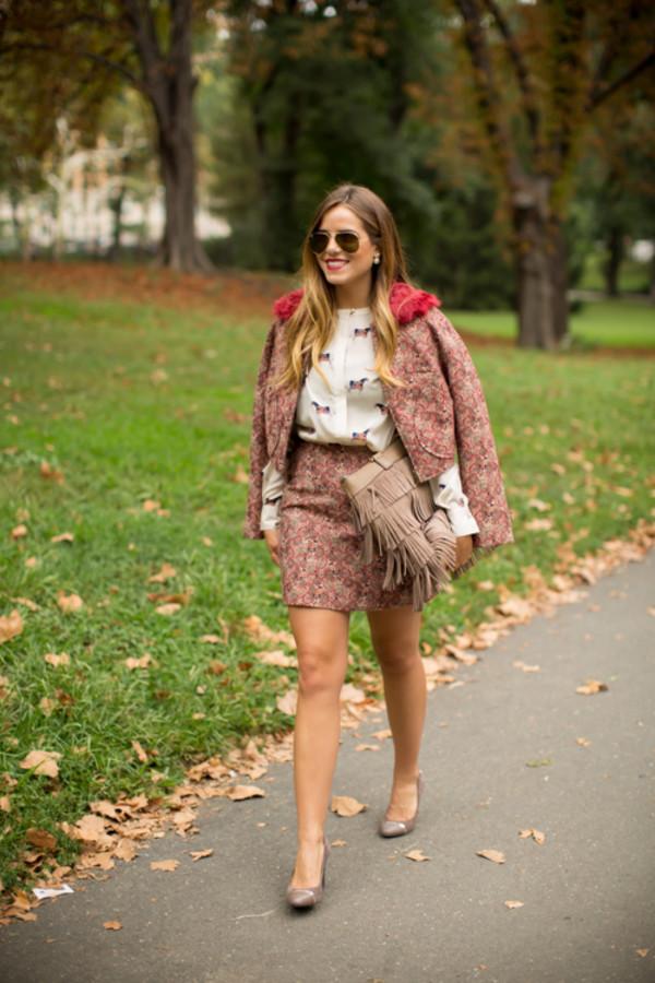 gal meets glam blogger jacket blouse bag jewels make-up