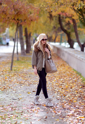 oh my vogue blogger jeans bag sunglasses parka high top sneakers