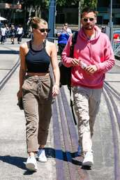 pants,khaki,khaki pants,sofia richie,celebrity,casual,streetstyle