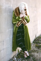 styles by hannah riles,blogger,jumpsuit,green,velvet,fur scarf,checkered,long coat,coat,shoes,sunglasses