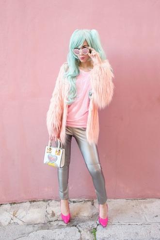 m&m fashion bites blogger sweater pants bag fall outfits fur coat pink fur coat metallic pants pumps mini bag