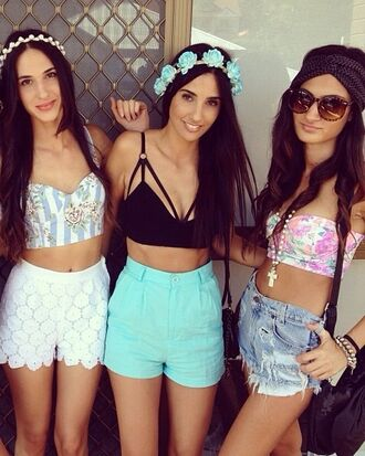 shirt festival crop tops top corset top crop tank cropped black sexy bikini black bikini black crop top shorts summer floral bodycon flower crown blue white music festival miami dance edm tank top