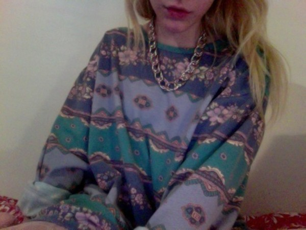 shirt tumblr hipster vintage grunge tumblr tumblr girl soft grunge sweater purple sweater purple green chain gold chain pattern cute floral blue jewels winter outfits colorful gold sweatshirt turquoise fashion pink hair light pink light blue pale green hair chunky rock boy cute boy vintage sweater boho pale pastel chunky sweater