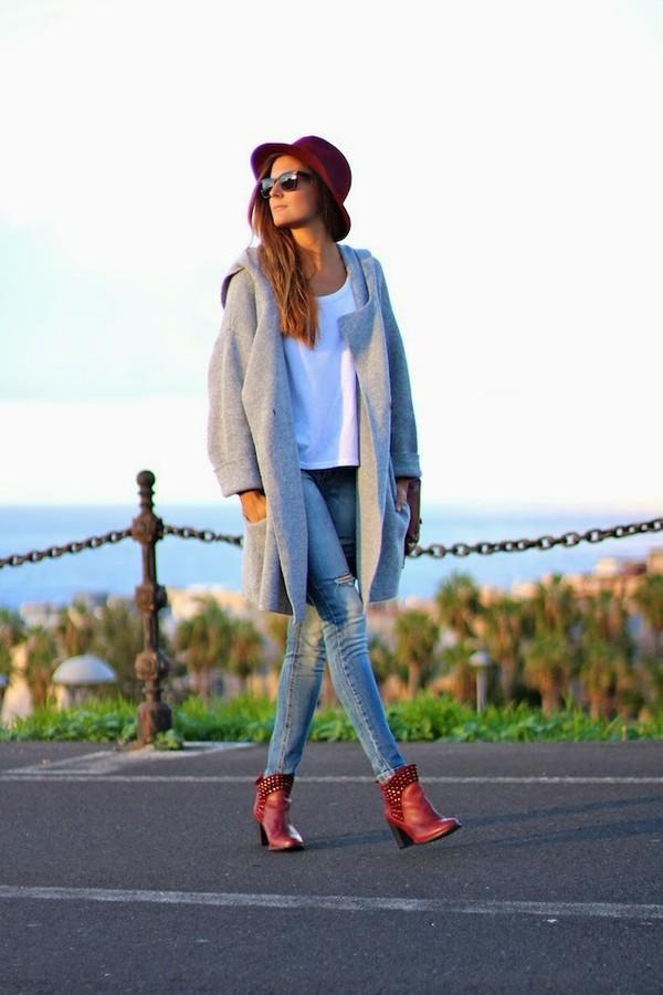marilyn's closet blog sweater jeans jewels shoes bag t-shirt hat