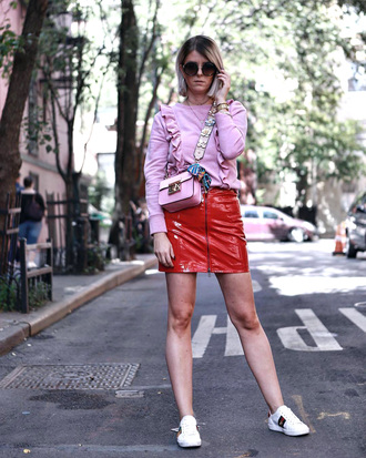 skirt pink top tumblr mini skirt red skirt zip zipped skirt sneakers white sneakers low top sneakers top ruffle bag pink bag