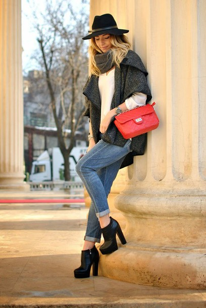 let's talk about fashion ! blogger red bag charcoal hat jeans shoes bag