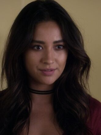 jewels black choker necklace pretty little liars two-piece emily fields shay mitchell