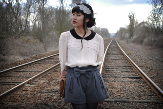 leeloo peter pan collar black blouse white blouse