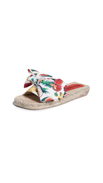 print white shoes