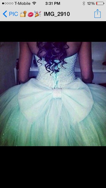 dress bow on the back