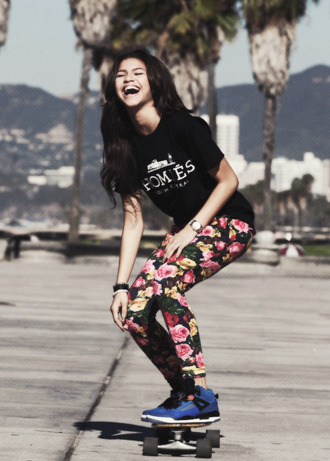 t-shirt floral jeans zendaya pants