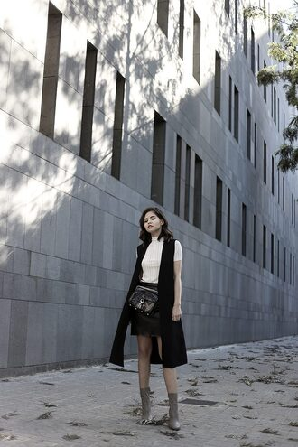 fake leather blogger top jacket skirt bag shoes scarf belt spring outfits sleeveless coat boots black skirt crossbody bag black coat
