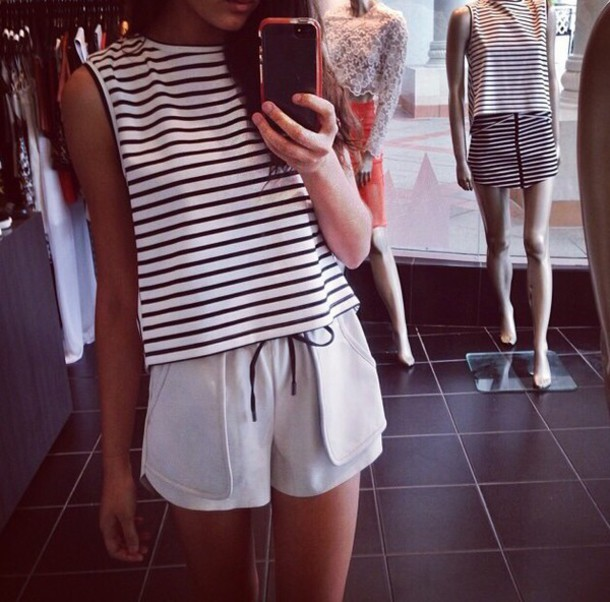top shirt stripes shorts