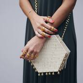 bag,tumblr,nude bag,embellished,embellished bag,knuckle ring,ring,gold ring,jewels,jewelry,gold jewelry,red nails,nail polish,geometric,crocodile,chain bag