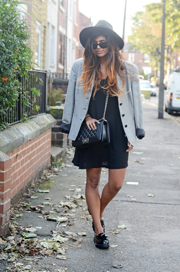 she wears fashion blogger sunglasses jacket