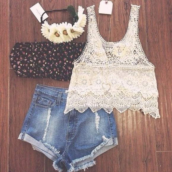 jewels floral headband shirt tank top shorts underwear hat floral white blouse beautiful summer outfits crop tops beautiful cute swag pretty vintage floral cute summer outfits boho lace High waisted shorts top white top wheretoget? t-shirt flower headbands denim shorts cream summer outfits summer top flower crown bandeau hair accessories